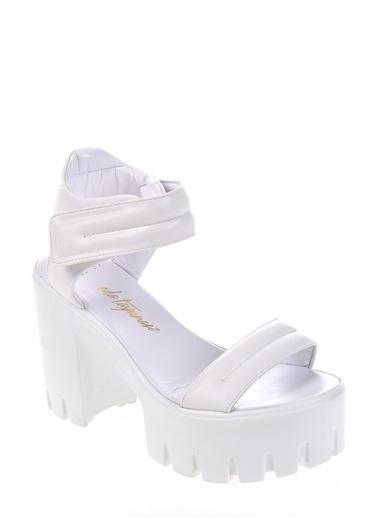 Casual Ayakkabı-Eda Taşpınar